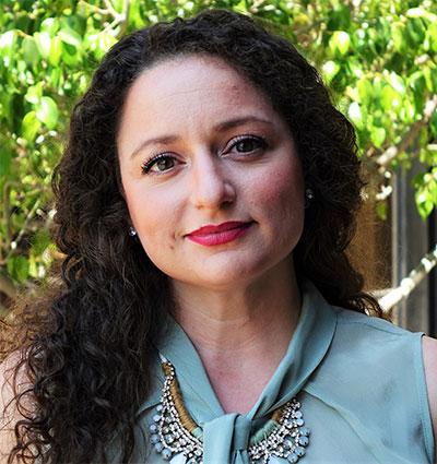 Julia Entin - Servicios Paralegales para Sobrevivientes del Holocausto