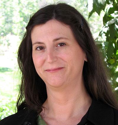 Lisa D. Hoffman - Director del Programa de Servicios del Holocausto