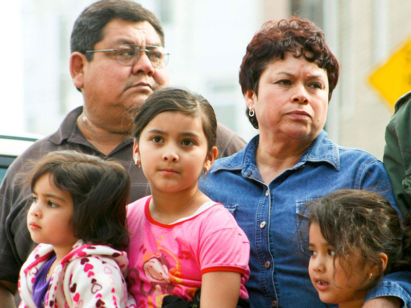 Undocumented Parents & Family Preparedness - Photo of an immigrant family with young children